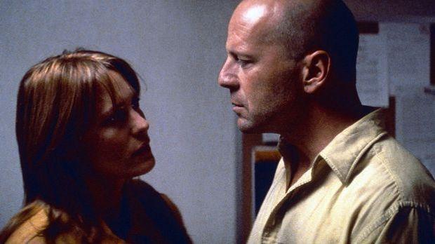 "David Dunn (Bruce Willis) im Film ""Unbreakable"""