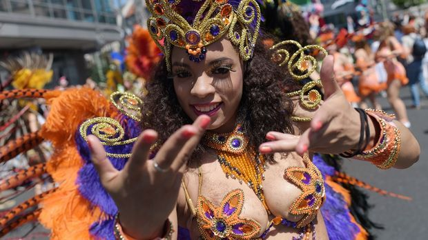 Beim Karneval der Kuslturen sind auch Gruppen aus Südamerika und Afrika vertr...