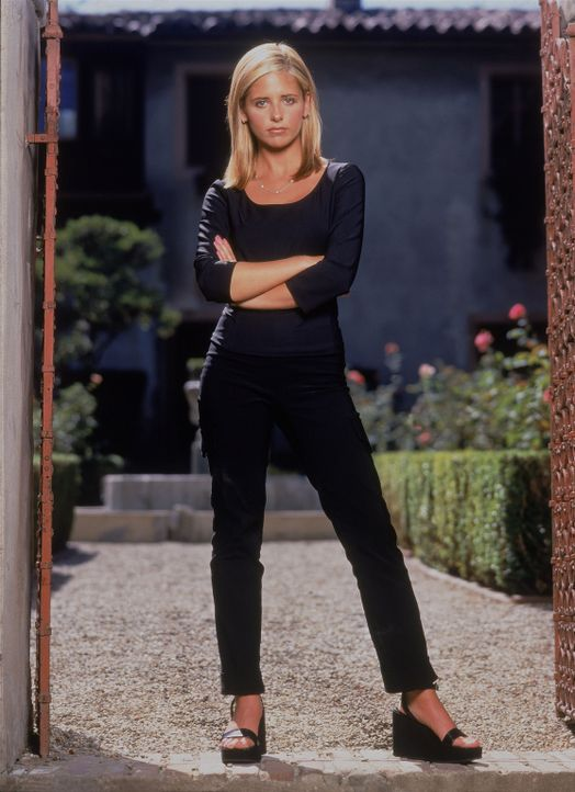 (3. Staffel) - Buffy (Sarah Michelle Gellar) ist die Auserwählte: Sie allein muss sich den Vampiren, Dämonen und den Mächten der Finsternis stellen... - Bildquelle: (1999) Twentieth Century Fox Film Corporation.