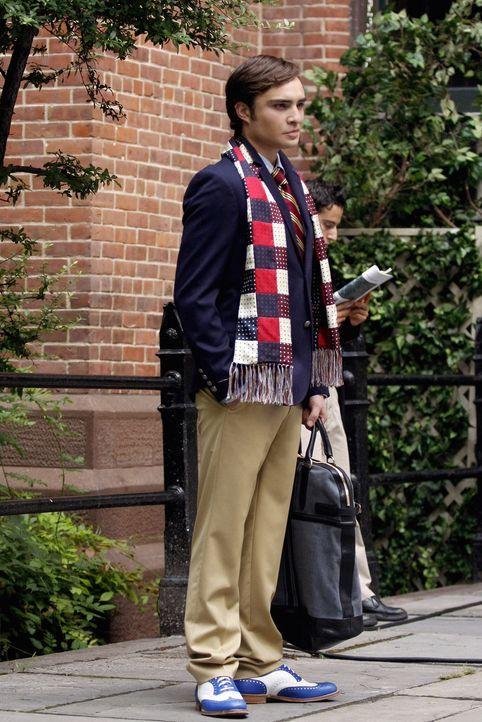 Dan hängt sich an Chuck (Ed Westwick) ran, um die dunklen Seiten des Lebens zu erforschen .... - Bildquelle: Warner Brothers