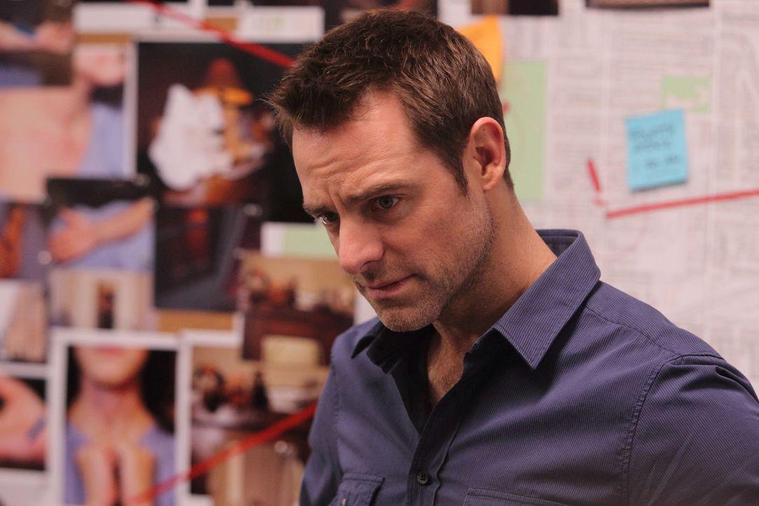 Aidan (David Sutcliffe) in der Krise: Nachdem Daniella gegenüber Inspector Caligra einiges über sein Verhalten bei der Arbeit ausgeplaudert hat, tra... - Bildquelle: Stephen Scott CBC 2013