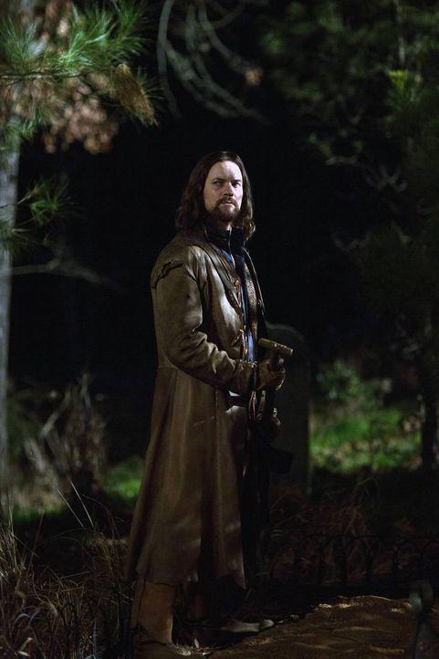 Gerät John (Shane West) in das Fadenkreuz der mächtigen Mary, nachdem er ihre Pläne zu durchkreuzen versucht? - Bildquelle: 2013-2014 Fox and its related entities.  All rights reserved.