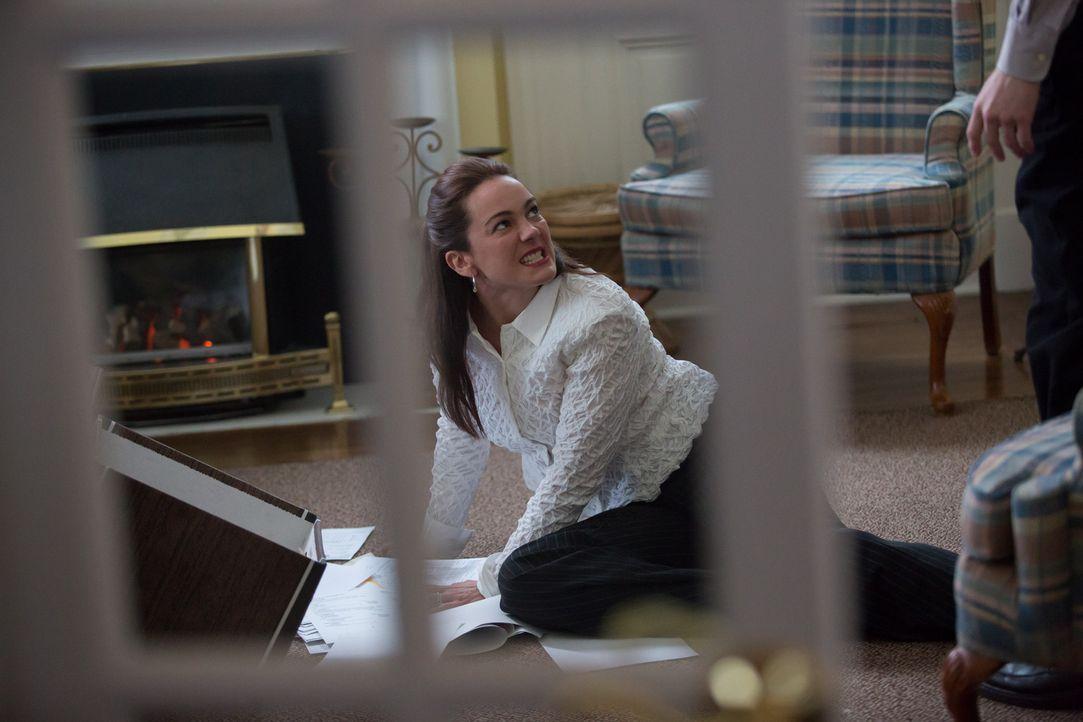 Zeigt sie hier ihr wahres Gesicht? Die als liebevolle Mutter und Ehefrau geltende Lisa Robinson ist in Wahrheit eine Serienerpresserin und will nun... - Bildquelle: Darren Goldstein Cineflix 2014