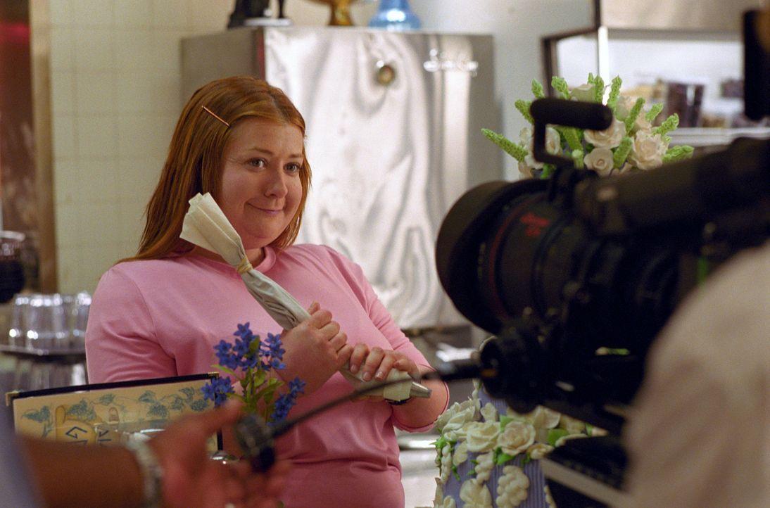 Die übergewichtige Julia Jones (Alyson Hannigan) ist total und frustriert. Sie bekommt einfach keinen Mannab. Da beschließt sie, sich Rat bei eine... - Bildquelle: Epsilon Motion Pictures