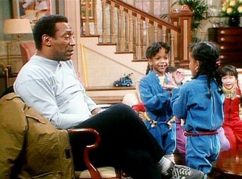 Bill Cosby Show - Cliff (Bill Cosby, l.) und die Zwillinge Dana und Kyle (Dan...