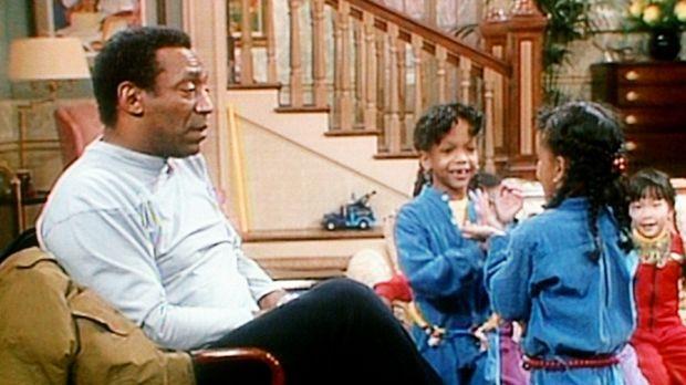 Cliff (Bill Cosby, l.) und die Zwillinge Dana und Kyle (Dana und Kyle Bryant,...