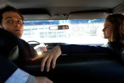 The Americans - Laufen Phillip (Matthew Rhys, l.) und Elizabeth (Keri Russell...