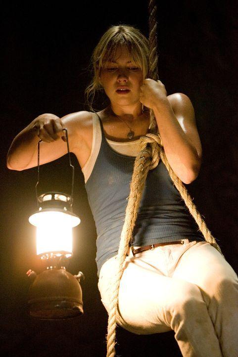 Bereits nach kurzer Zeit wird Stacy (Laura Ramsey) klar, dass in dem Maya-Tempel einst Menschen geopfert werden - und dass irgendwas nach wie vor hi... - Bildquelle: 2008 DreamWorks LLC. All Rights Reserved.l