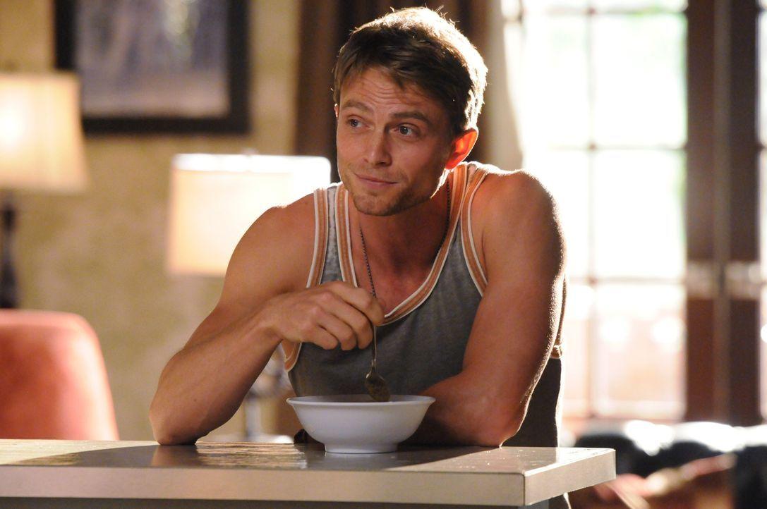 Auch in einem kleinen Örtchen wie Blubell gibt es Probleme mit der Familie, wie Wade (Wilson Bethel) immer wieder schmerzlich feststellen muss ... - Bildquelle: Warner Bros.