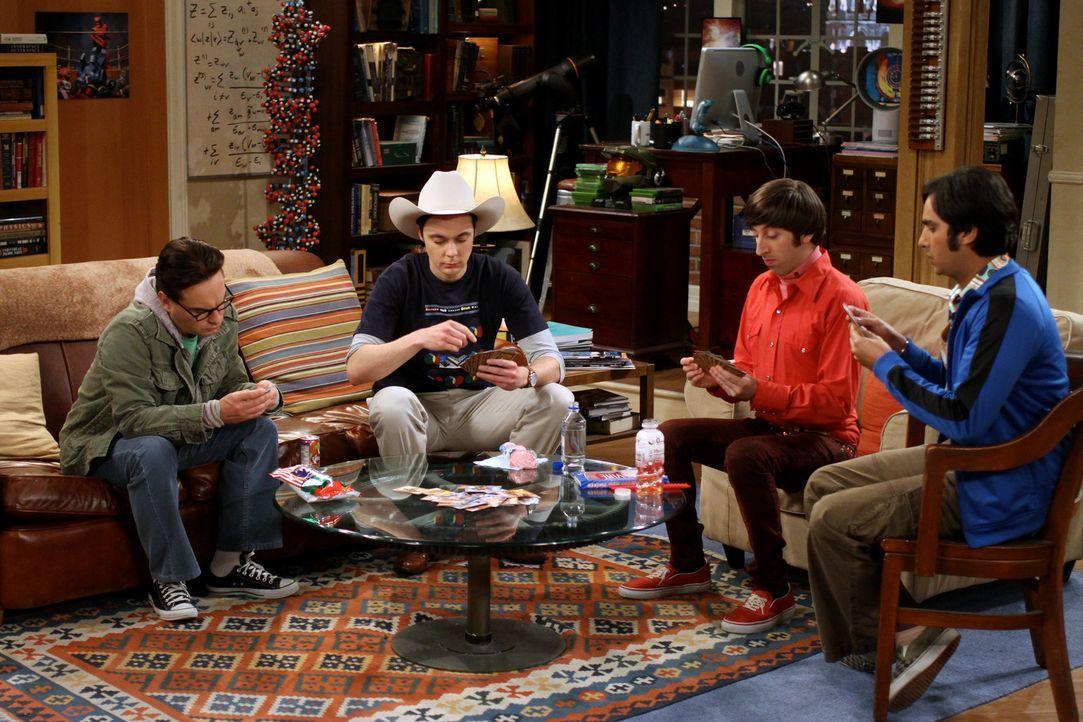Während Sheldon (Jim Parsons, 2.v.l.) mit seinen Freunden Raj (Kunal Nayyar, r.), Leonard (Johnny Galecki, l.) und Howard (Simon Helberg, 2.v.r.) K... - Bildquelle: Warner Bros. Television