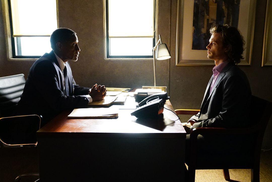 Nachdem Reid (Matthew Gray Gubler, r.) einige Tests absolvieren musste, um zu beweisen, dass er wieder im FBI arbeiten kann, findet nun ein Gespräch... - Bildquelle: Disney Media Distribution
