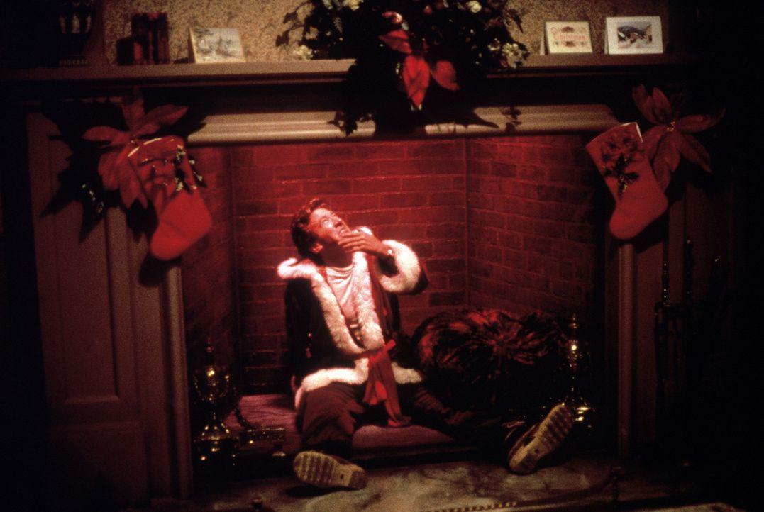 Als Weihnachtsmann tut sich Werbefachmann Scott Calvin (Tim Allen) zunächst unglaublich schwer ... - Bildquelle: Buena Vista Pictures