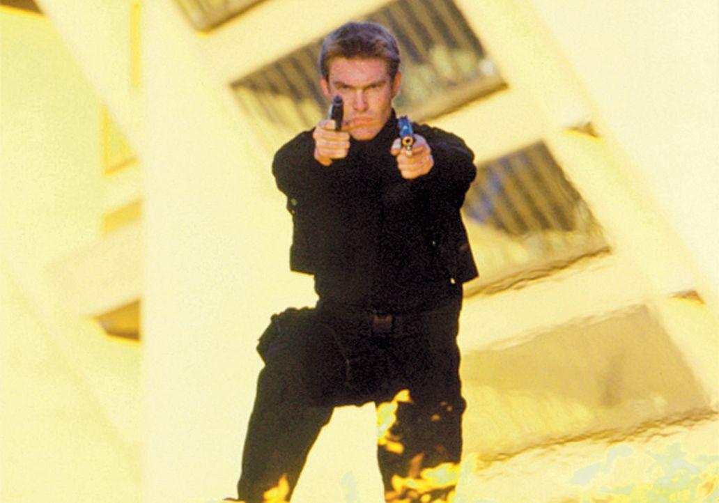 Die Spezialeinheit muss anrücken: Deke Slater (Judson Mills) lässt sich von den Terroristen nicht so leicht unterkriegen ... - Bildquelle: CBS Television