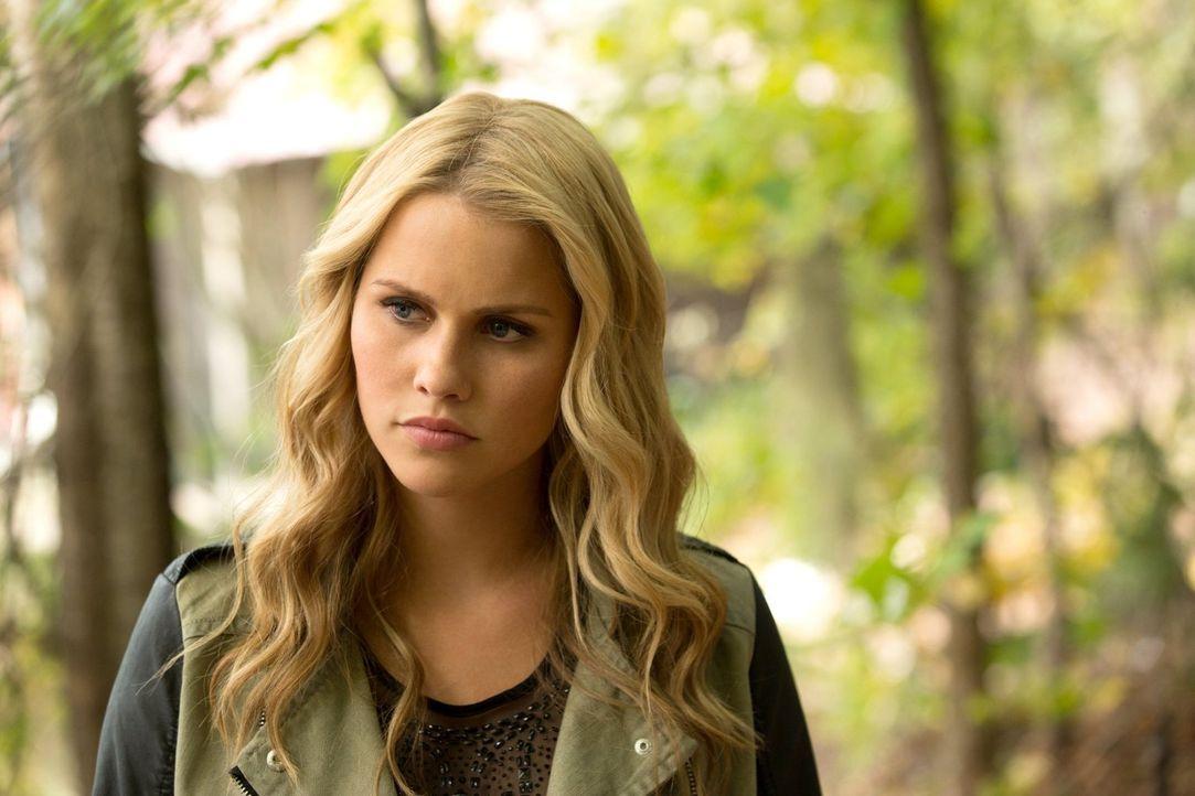 Sogar Rebekah (Claire Holt) ist erstaunt über die Informationen, die Eve ihr und ihrem Bruder gibt ... - Bildquelle: Warner Bros. Television