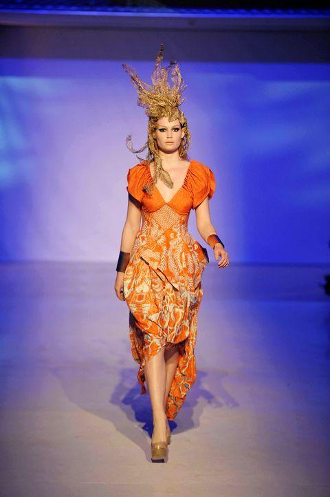 GNTM-Stf09-Epi02-Fashion-Show-32-ProSieben-Oliver-S-TEASER - Bildquelle: ProSieben/Oliver S.
