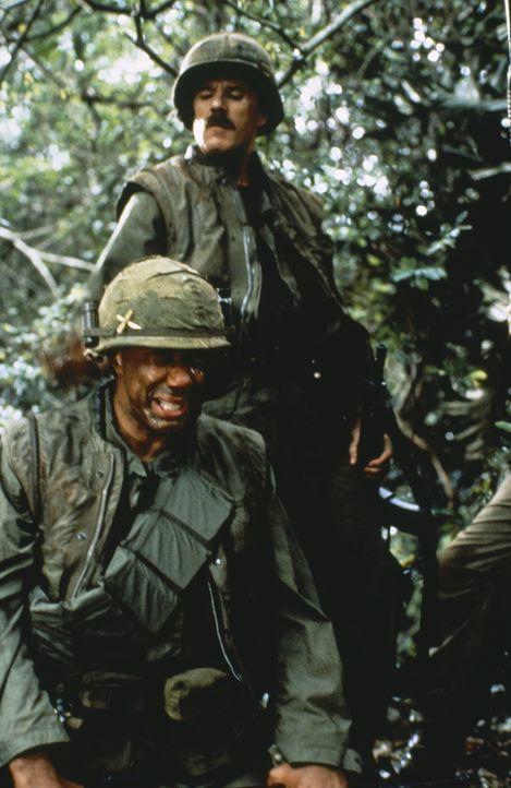 Eine kleine Gruppe Marines soll unter dem Befehl von Jeff Knight ein vietnamesisches Dorf schützen, dessen Bewohner nicht zum Vietcong übergelaufen... - Bildquelle: Cannon Film Distributors