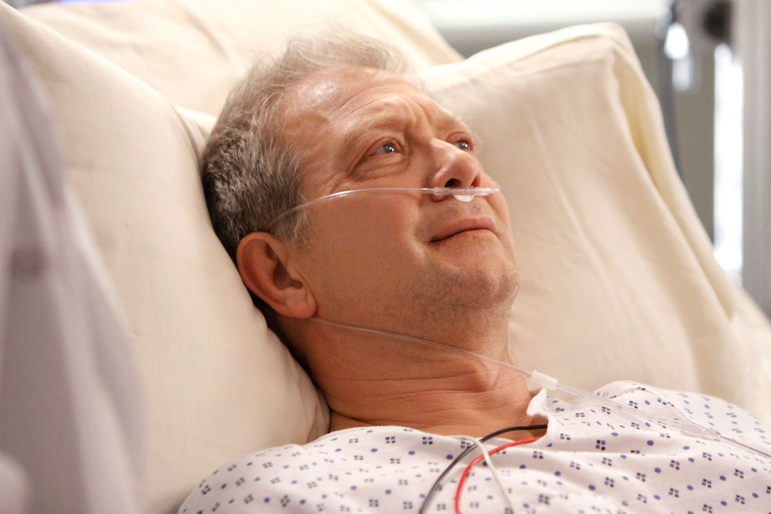Thatcher (Jeff Perry), der Vater von Meredith und Lexie, kommt ins Seattle Grace, da seine Leber versagt. Meredith muss alles geben, um sein Leben z... - Bildquelle: Touchstone Television