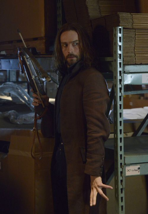 Noch ahnt Ichabod (Tom Mison) nicht, welche Macht der Hexenmeister auch auf seine Frau hat ... - Bildquelle: 2014 Fox and its related entities. All rights reserved