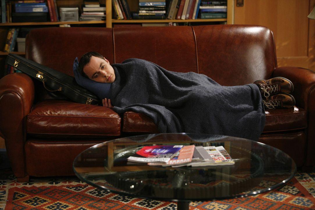 Sheldon (Jim Parsons) macht eine aufregende Entdeckung über sich selbst ... - Bildquelle: Warner Bros. Television