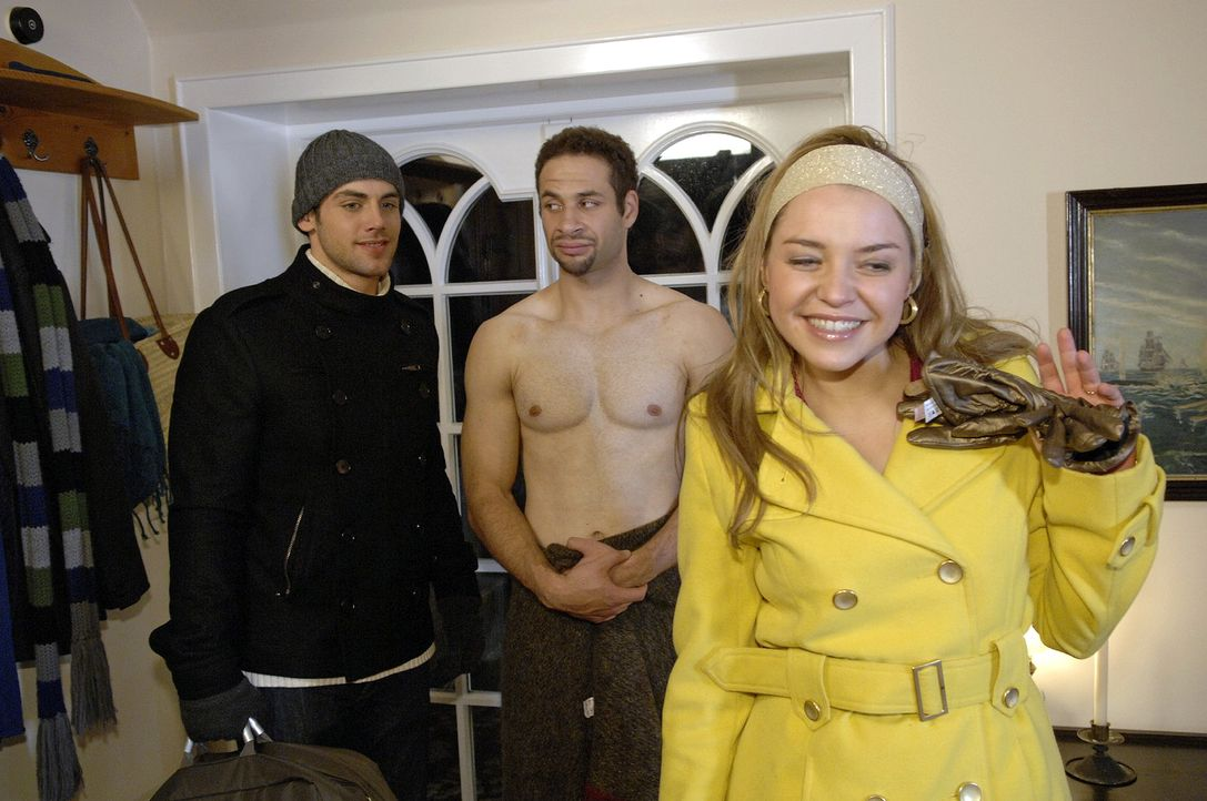 Anna und Jannick (Mike Adler, M.) bekommen überraschend Besuch von Jonas (Roy Peter Link, l.) und Katja (Karolina Lodyga, r.). - Bildquelle: Claudius Pflug Sat.1