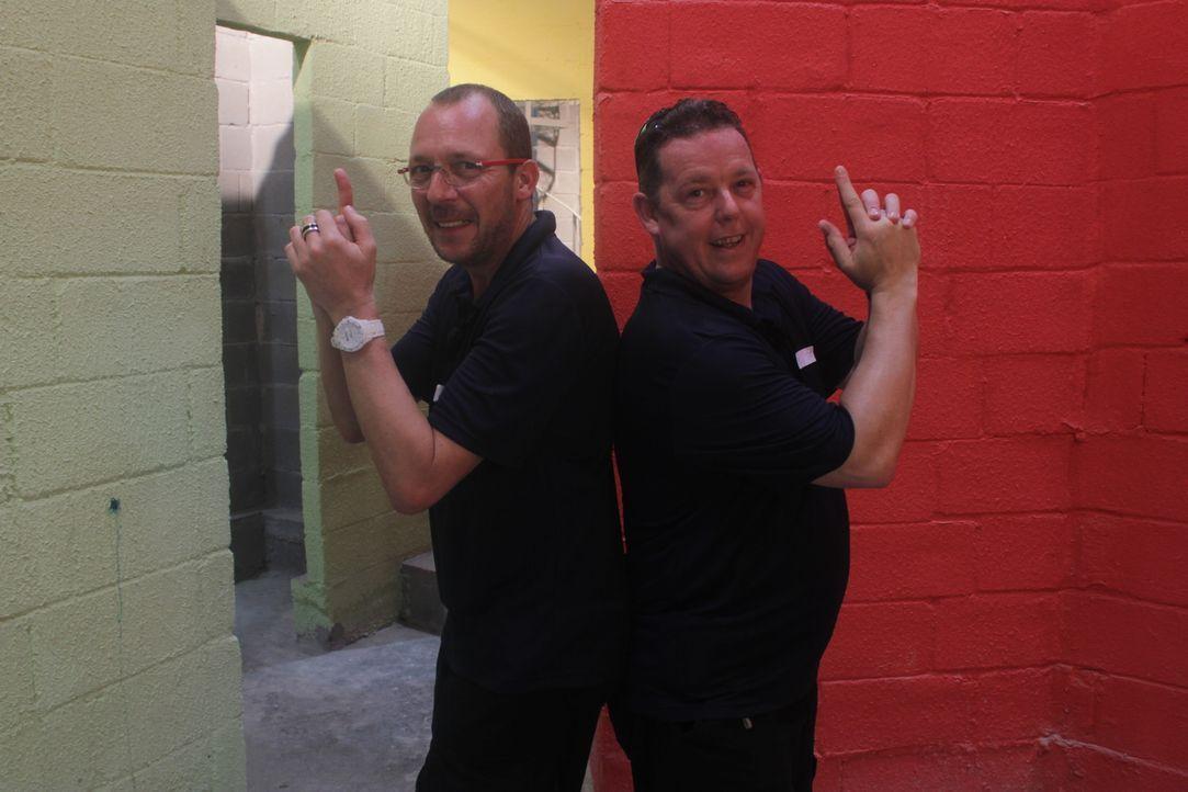 Toto (r.) und Harry (l.), die Bochumer Kult-Polizisten, sind wieder im Einsatz. Doch diesmal ist ihnen der Ruhrpott nicht genug: Gemeinsam mit den K... - Bildquelle: kabel eins