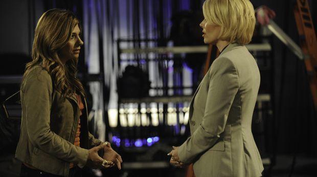 Anne Marie (Gail O'Grady, r.), Star ihrer eigenen Fernsehsendung, hat Problem...