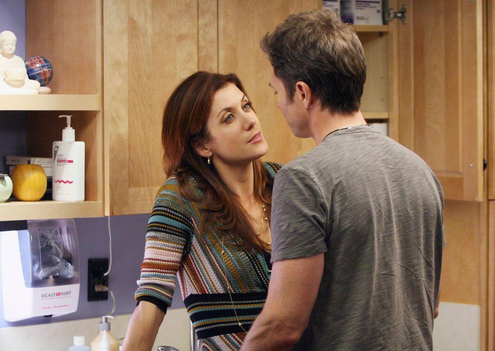 Addison (Kate Walsh, l.) und Pete (Tim Daly, r.) wollen ihre Beziehung voran treiben ... - Bildquelle: 2007 American Broadcasting Companies, Inc. All rights reserved.