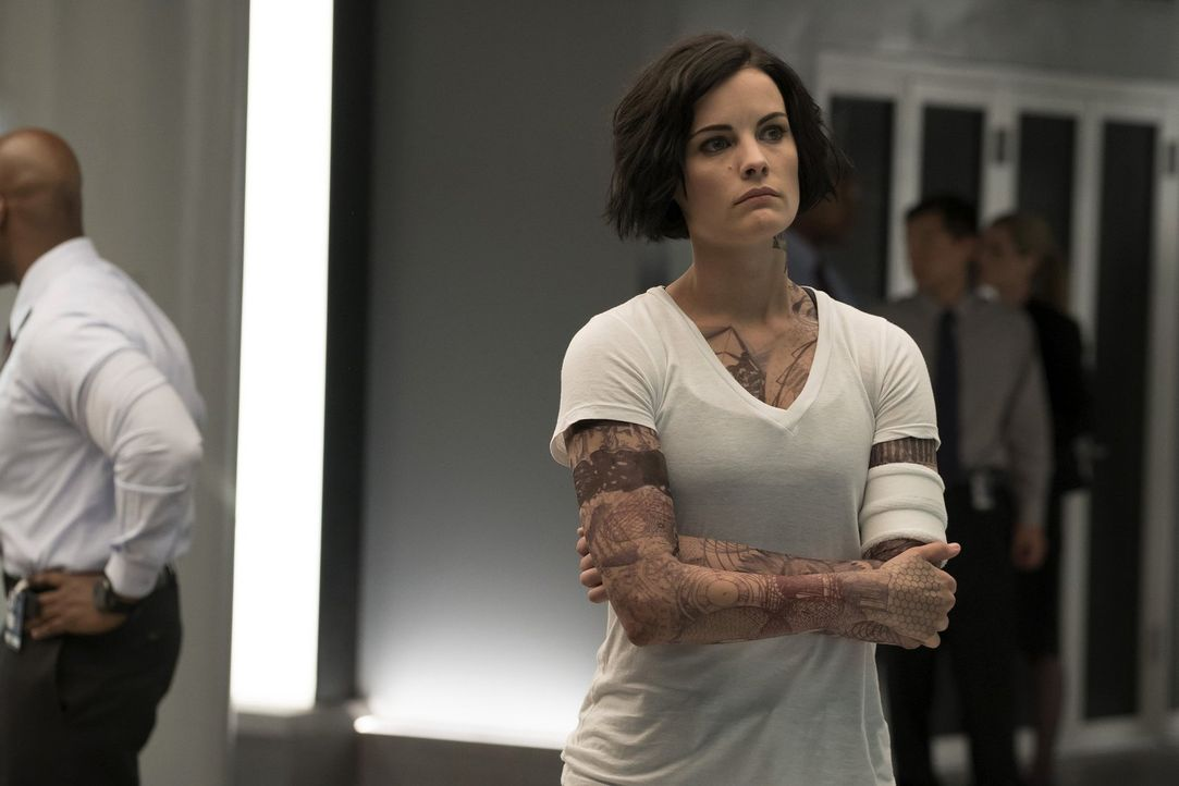 Nach und nach kann sich Jane (Jaimie Alexander) an einige Momente ihrer Vergangenheit erinnern - doch können diese wirklich weiterhelfen? - Bildquelle: Warner Brothers