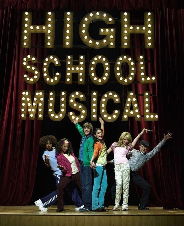 High School Musical mit (v.l.n.r.) Corbin Bleu, Monique Coleman, Zac Efron, Vanessa Anne Hudgens, Ashley Tisdale und Lucas Grabeel ? - Bildquelle: The Disney Channel