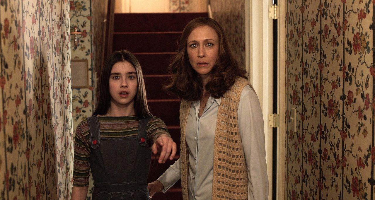 Judy (Sterling Jerins, l.); Lorraine (Vera Farmiga, r.) - Bildquelle: Warner Bros.