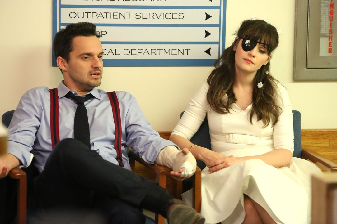 Verletzt und im Krankenhaus - so hatten sich Nick (Jake Johnson, l.) und Jess (Zooey Deschanel, r.) ihren Hochzeitstag nicht vorgestellt ... - Bildquelle: 2018 Fox and its related entities.  All rights reserved.