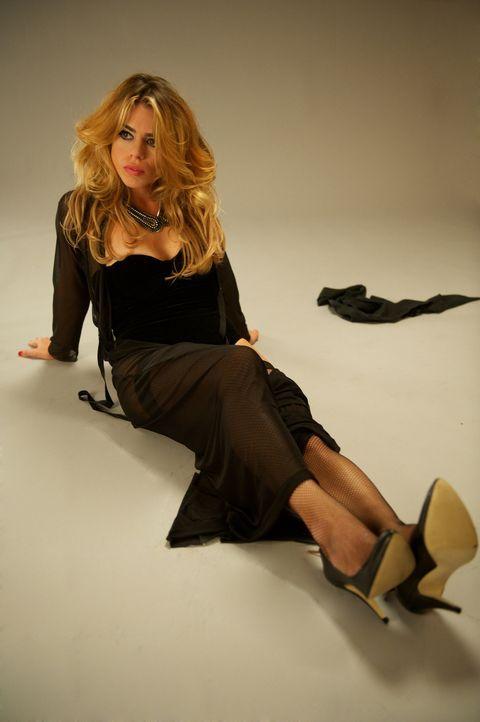 (4. Staffel) - Zwei Namen, zwei Leben: Tagsüber ist Hannah (Billie Piper) ein gewöhnliches junges Mädchen aus London. Nachts heißt sie Belle und bed... - Bildquelle: Tiger Aspect Productions.