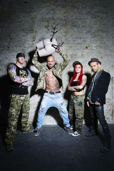 """(1. Staffel) - Sagen den Tattoo-Sünden den Kampf an: (v.l.n.r.) Randy Engelhard, Bertram """"Berti"""" Krause, Nancy Mietzi und Mick Mark ... - Bildquelle: Jens Koch sixx"""