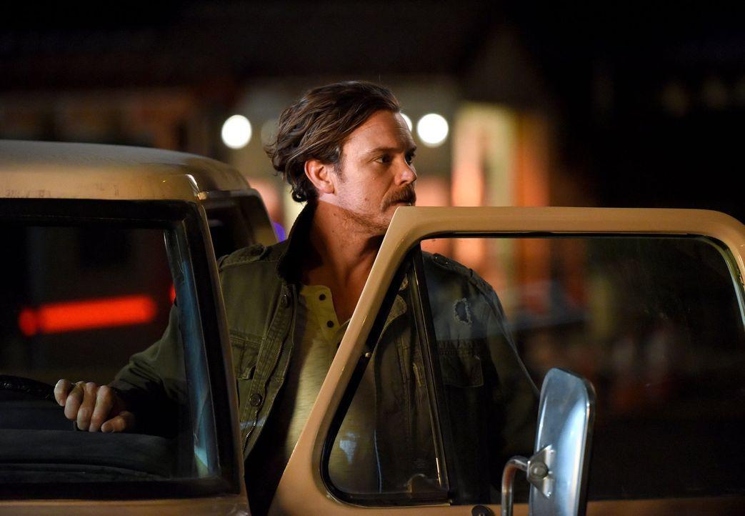 Als Riggs (Clayne Crawford) auf einen Rivalen seiner Vergangenheit trifft, wird er vollkommen aus der Bahn geworfen ... - Bildquelle: Warner Brothers