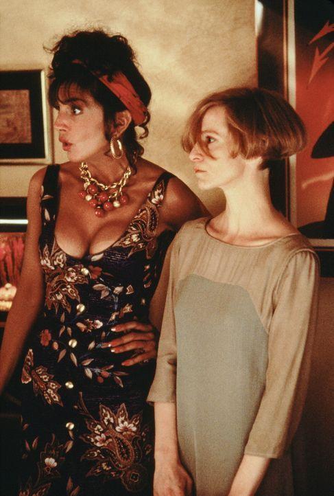 Anne (Mercedes Ruehl, l.) und Lydia (Amanda Plummer, r.) haben einiges auszuhalten mit ihren chaotischen Freunden Jack und Parry ... - Bildquelle: TriStar Pictures