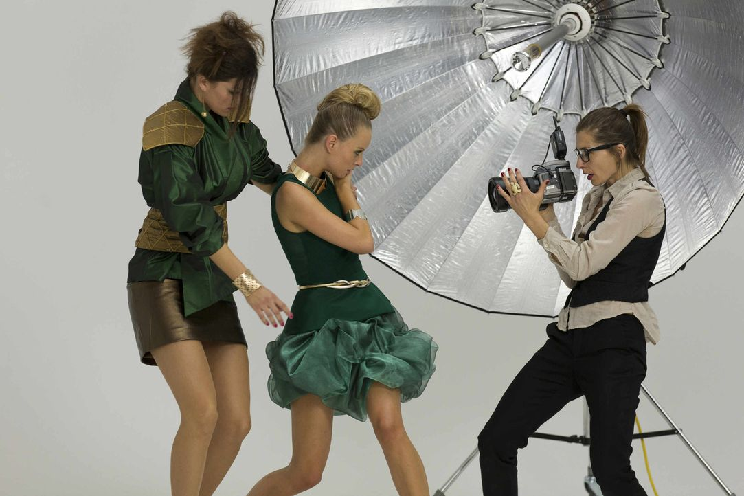 In ihrem neuen Fall, taucht Danni in die Model-Welt ein ... - Bildquelle: Frank Dicks SAT.1