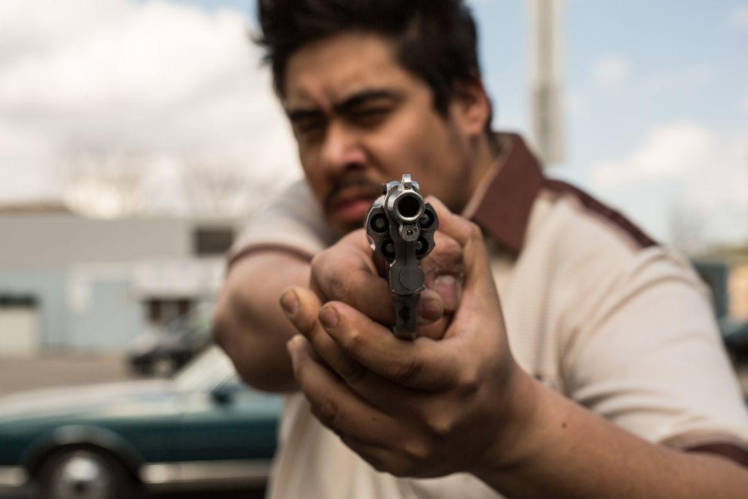 Der Privatdetektiv Steven Rambam geht einem skrupellosen Mord auf den Grund, als ihn eine junge Frau beauftragt, nachdem ihr Vater von einem unbekan... - Bildquelle: Darren Goldstein Cineflix 2015