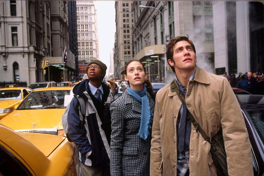 Noch ahnen Brian Parks (Arjay Smith, l.), Laura Chapman (Emmy Rossum, M.) und Sam Hall (Jake Gyllenhaal, r.) nicht, dass ihr Ausflug nach New York z... - Bildquelle: 2004 Twentieth Century Fox Film Corporation. All rights reserved.