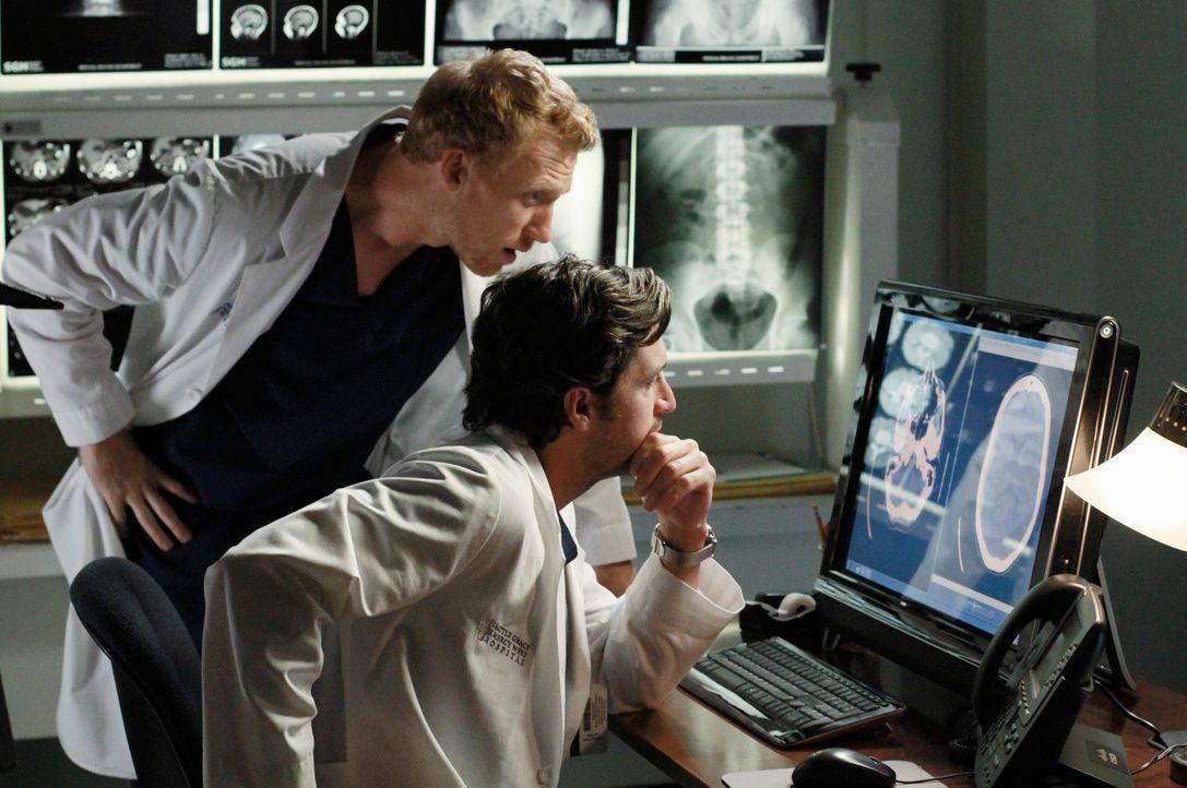 Versuchen Leben zu retten: Owen (Kevin McKidd, l.) und Derek (Patrick Dempsey, r.) ... - Bildquelle: ABC Studios