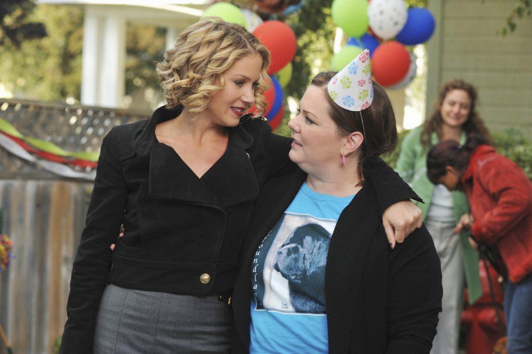 Hat ihre Freundschaft noch eine Chance? Dena (Melissa McCarthy, r.) und Samantha (Christina Applegate, l.) ... - Bildquelle: 2008 American Broadcasting Companies, Inc. All rights reserved.