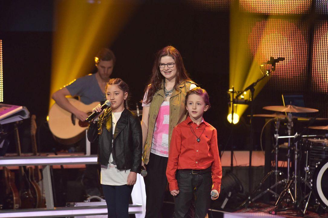 The-Voice-Kids-Stf03-Epi05-48-Nestor-Angelina-Jorena-SAT1-Andre-Kowalski - Bildquelle: SAT.1/ Andre Kowalski