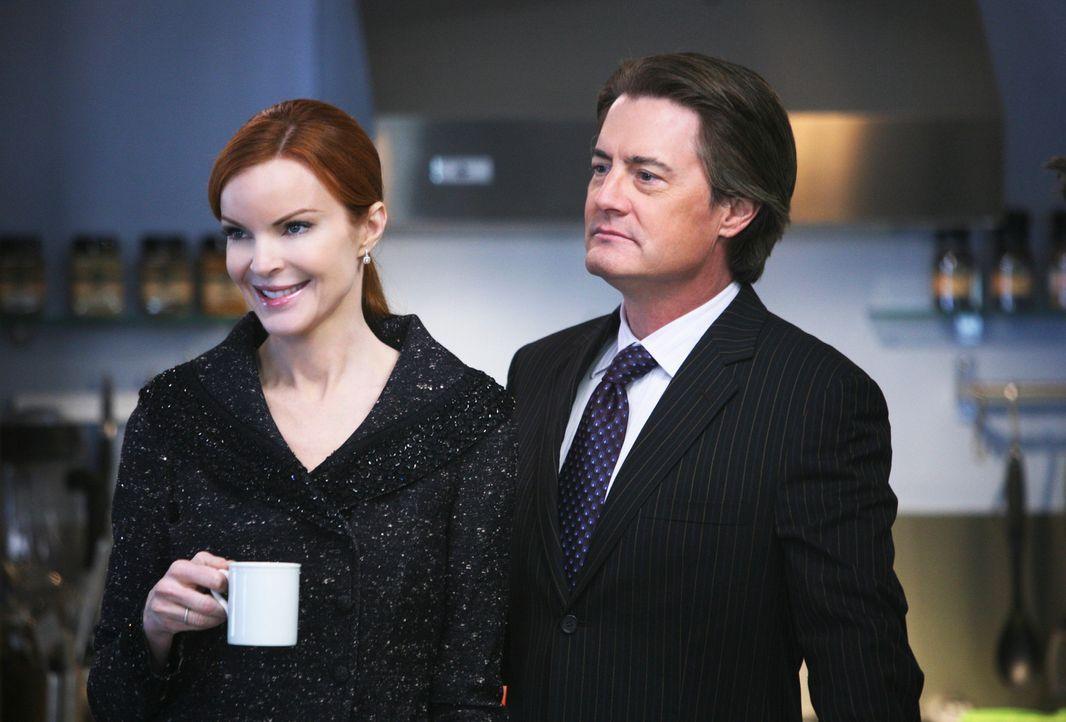 Orson (Kyle MacLachlan, r.) bringt Bree (Marcia Cross, l.) dazu, ihre Firma zu verkaufen, damit er wieder glücklich wird und nicht mehr stiehlt. Doc... - Bildquelle: ABC Studios