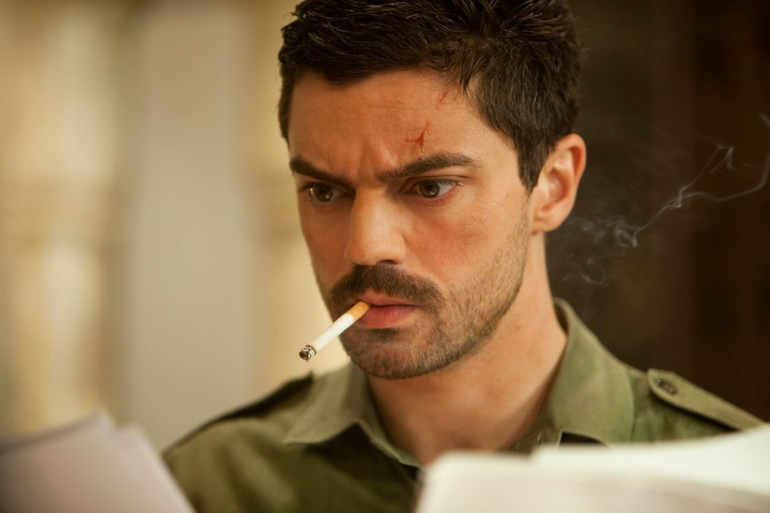 Als der einfache irakische Soldat Latif Yahia (Dominic Cooper) eines Tages in den Palast von Saddam Hussein einberufen wird, ahnt er nicht, dass die... - Bildquelle: 2013, Falcom Media