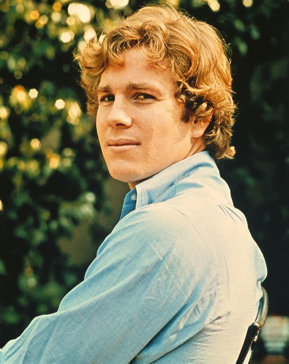 Oliver Barrett (Ryan O'Neal) ist Millionärssohn und eishockeybegeisterter Jurastudent an der renommierten Harvard-Universität ... - Bildquelle: Paramount Pictures