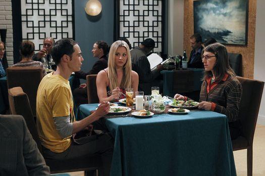 The Big Bang Theory - Penny (Kaley Cuoco, M.) startet einen neuen Verkupplung...