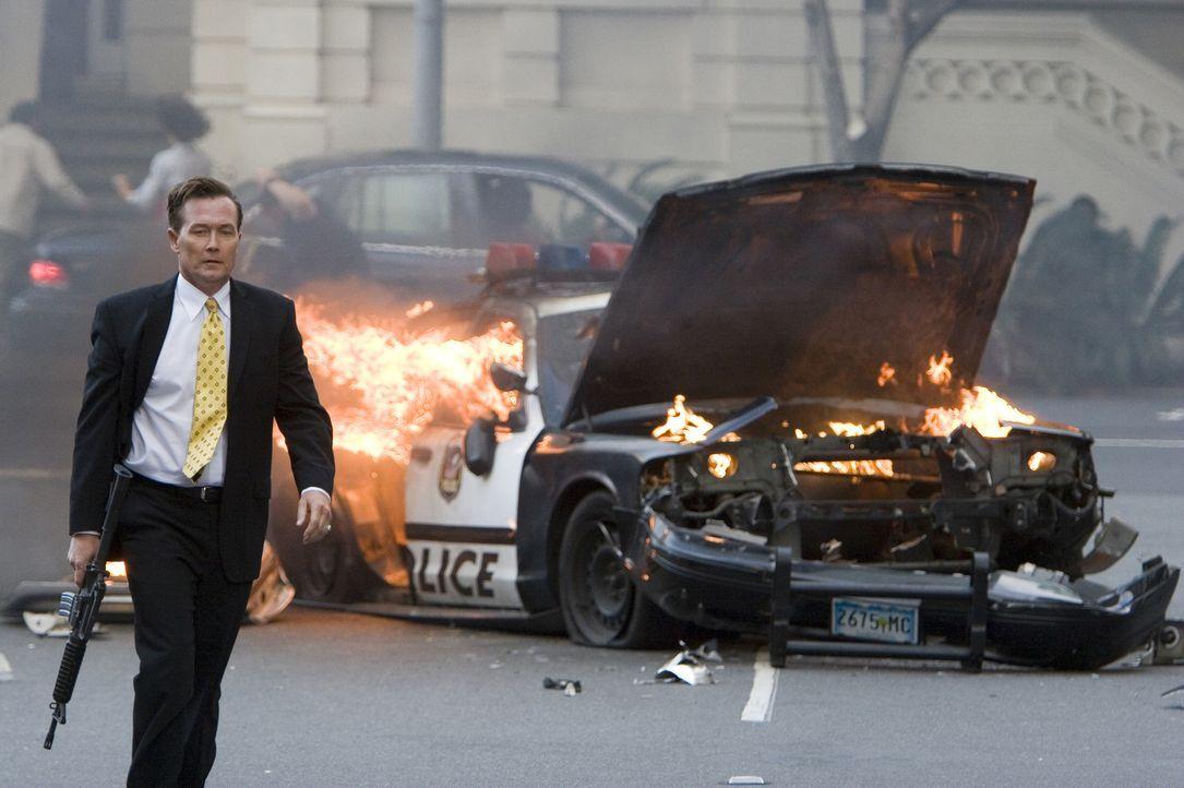 Nachdem ein Juwelenraub ihn zu einem Gejagten gemacht hat, nimmt der Gangsterboss Rome (Robert Patrick) während eines Gefechts mit der Polizei ausge... - Bildquelle: 2006 Twentieth Century Fox Film Corporation.  All rights reserved.