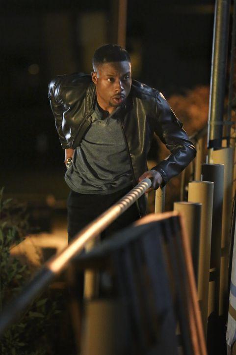 Sein Cousin Gerald wird verhaftet. Carter (Justin Hires) gibt alles, um dessen Unschuld zu beweisen. Doch dies ist leichter gesagt als getan ... - Bildquelle: Warner Brothers
