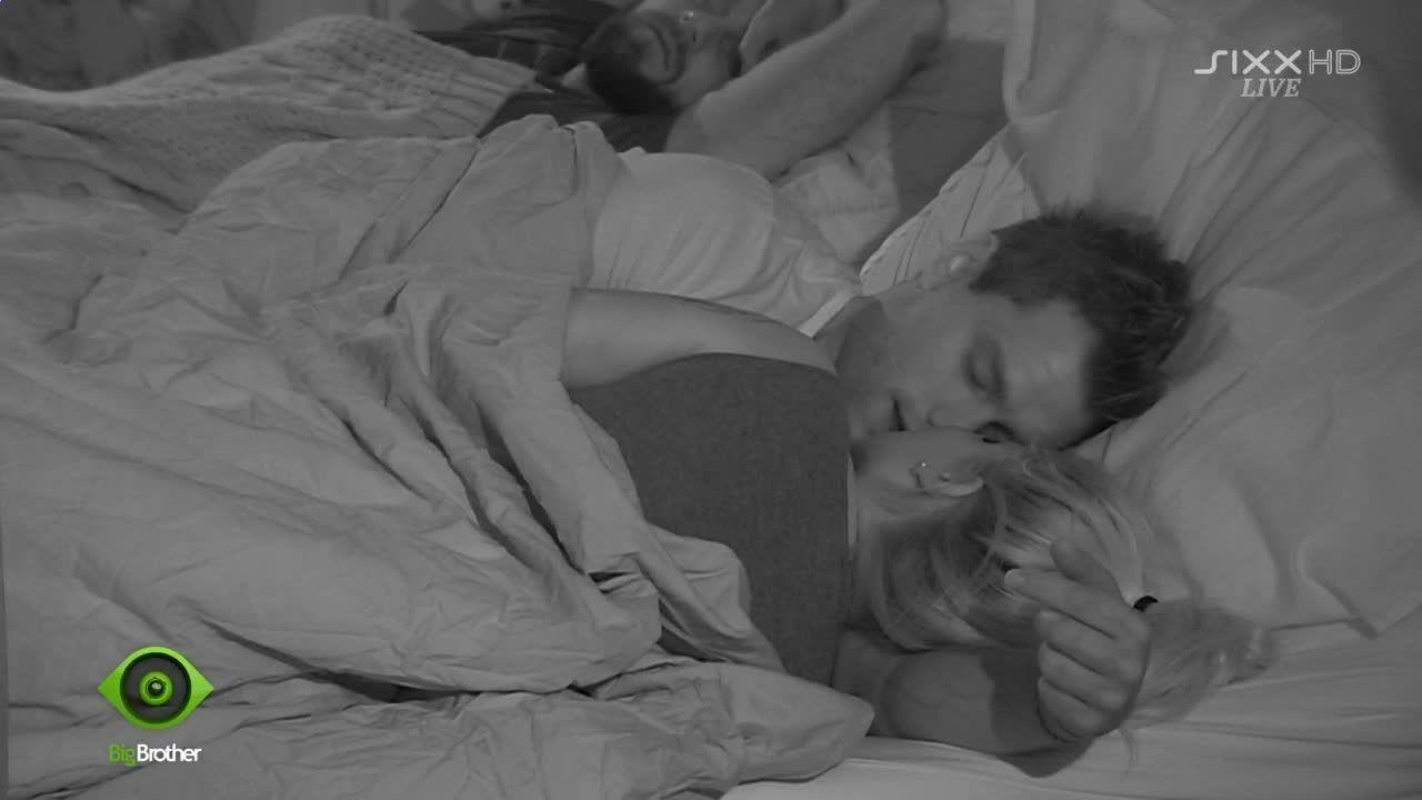Shavin im Bett