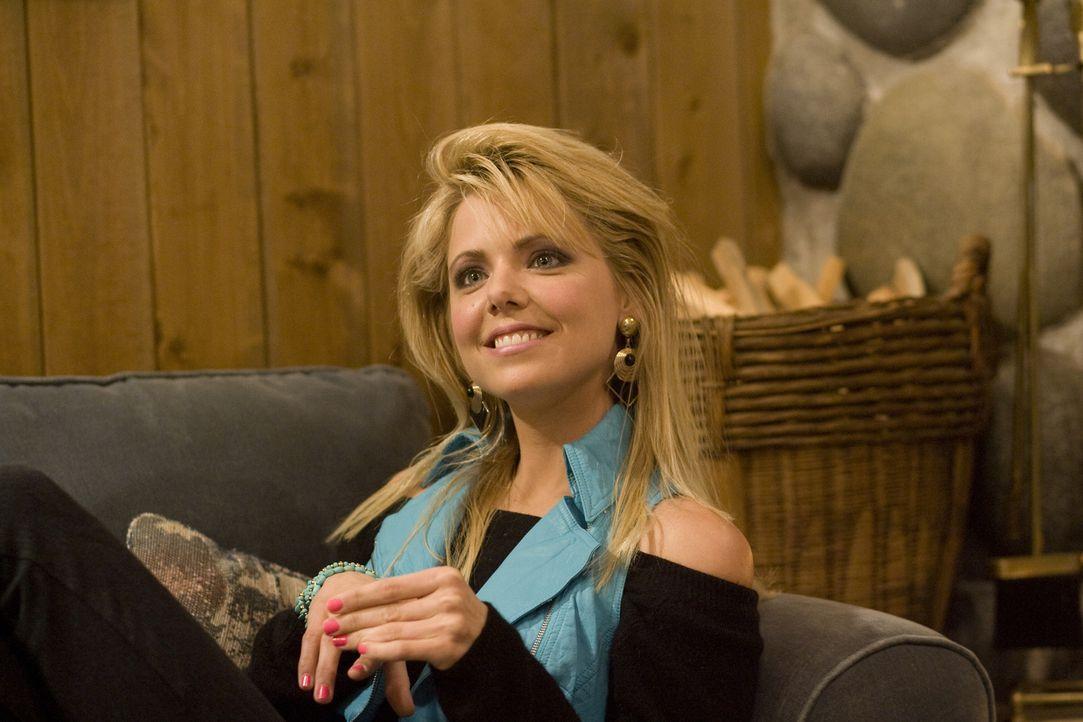 Kann ein Geheimnis sehr lange bewahren: Adams Schwester Kelly (Collette Wolfe) ... - Bildquelle: 2010 Twentieth Century Fox