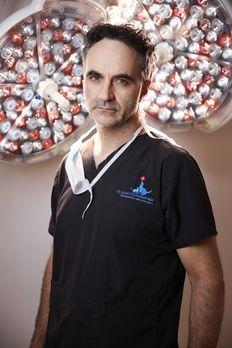 Der Super-Doc - (2. Staffel) - Noel Fitzpatrick leitet die modernste Tierprax...